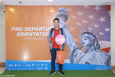 Pre-Departure-Orientation-WefieBox-Photobooth-Vietnam-chup-hinh-in-anh-lay-lien-Su-kien-12