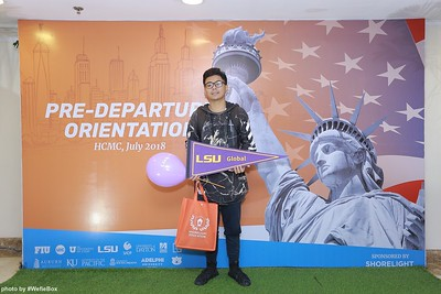 Pre-Departure-Orientation-WefieBox-Photobooth-Vietnam-chup-hinh-in-anh-lay-lien-Su-kien-11
