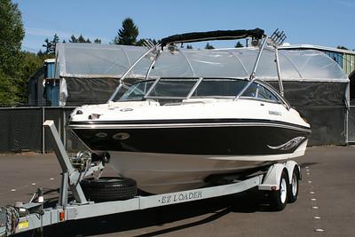 #1060 2007 Rinker 226 Captiva
