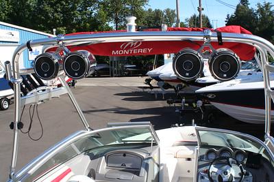 #1076 2008 Monterey 194 FS