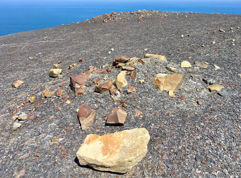... ťažko odhadnúť veľkosť kameňov