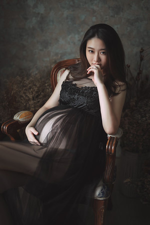 Pregnant-Averie