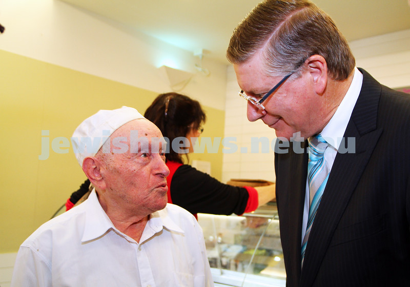 8-8-14. Victorian Premier Denis Napthine at Glick's in Carlisle Street.  Photo: Peter Haskin