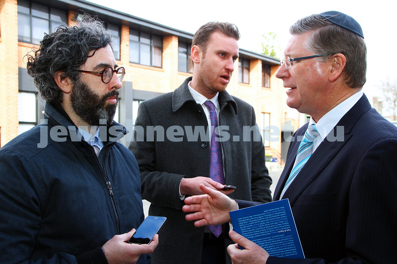8-8-14. Victorian Premier Denis Napthine at Mizrachi. Talking to Adam Kamien from the AJN. Photo: Peter Haskin