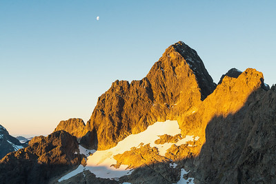 South face and west and south ridges of Mount Te Wera, Cleft Creek, Darran Mountains, Fiordland National Park, New Zealand