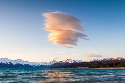 Lenticular cloud over Lake Pukaki & Aoraki Mount Cook, Canterbury