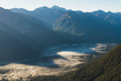 Hollyford Valley and Humboldt Mountains, Darran Mountains, Fiordland National Park, New Zealand