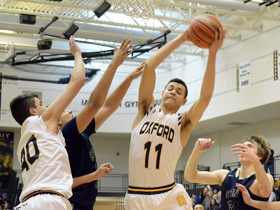 Oxford picked up a 43-40 win over Stoney Creek on Friday night to create a three-way tie atop the OAA Blue Division. (MIPrepZone photo by DREW ELLIS)