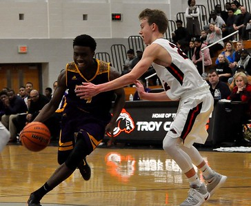 Troy hosted Auburn Hills Avondale for an Oakland Activities Association White Division boys basketball game on Friday, Feb. 24, 2017. (MIPrepZone photo by Dan Fenner)