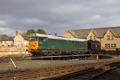 31452 at Wansford on the 16th October 2017