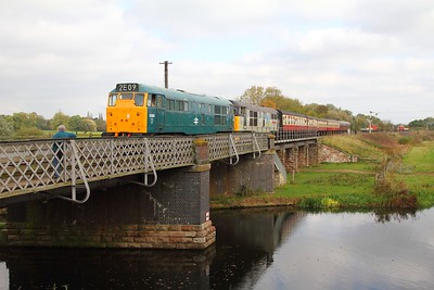 31162+31271 on the 2M48 1250 Peterborough to Wansford arriving at Wansford on the 15th October 2017