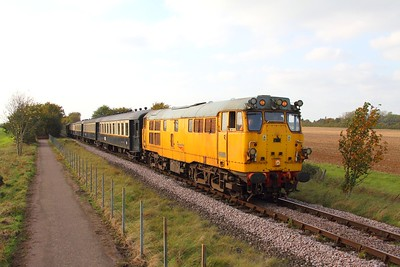 31285 on the 2E53 1522 Wansford to Peterborough at Castor on the 15th October 2017