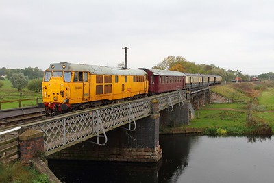 31285 on the 2M47 1210 Peterborough to Wansford arriving at Wansford on the 15th October 2017