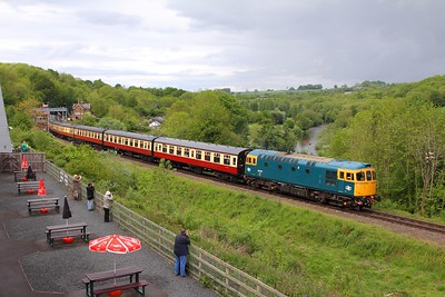 33035 on the 1342 Bridgnorth to Kidderminster at Highley on the 20th May 2017