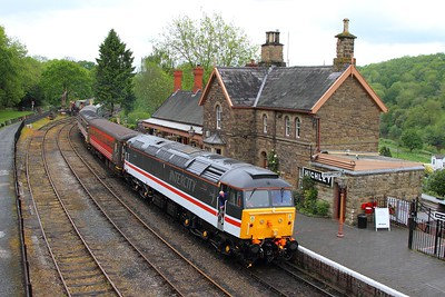 47828 on the 0935 Bridgnorth to Kidderminster at Highley on the 20th May 2017
