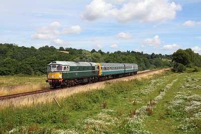 D5310 on the 2G11 1200 Tunbridge Wells West to Groombridge loop at Pokehill farm on the 5th August 2016