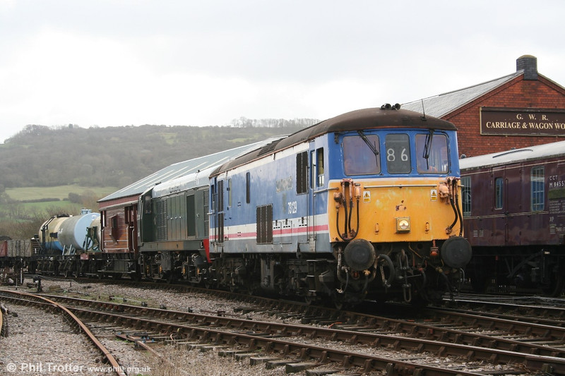 A long way from its former home territory in the south, 73129 arrives at Winchcombe with the 1052 demonstration freight from Toddington, double-headed with class 20 no. D8137. 2nd April 2006.