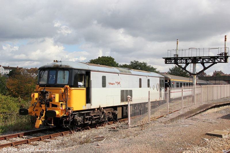 73118 departs from Barry Island with the 1145 for Hood Road, Barry Tourist Railway, on 28th August 2011.