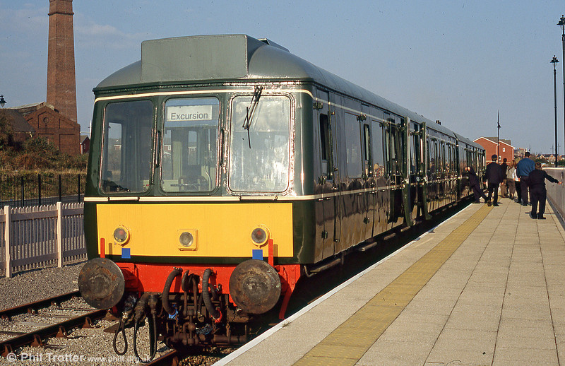 The Barry Island Railway's class 115 at Hood Road in May 2005.