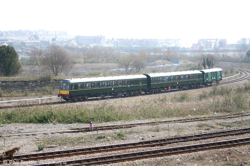 The BIR's class 117, with its trailing van, heads away from Barry Island with the 1241 departure for Woodhams Halt on 31st March 2007.