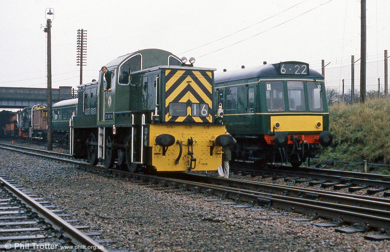 Class 14 0-6-0DH 'Teddy Bear' no. D9516 at Loughborough, Great Central Railway alongside the line's class 127 dmu.