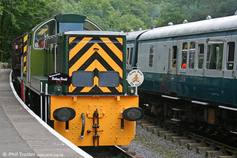 WR class 14 0-6-0DH no. D9521 at Llwyfan Cerrig with a train from Danycoed on 14th August 2010.