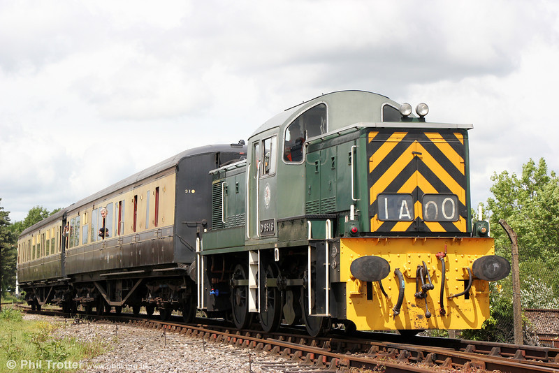 Didcot's newly acquired (ex-Wensleydale Railway) Class 14 no. D9516 on the running line on 24th May 2014.