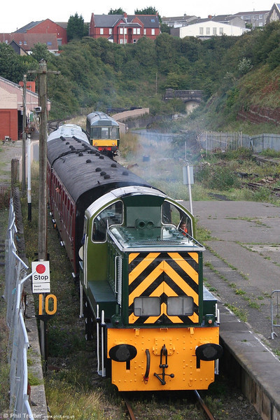 WR 0-6-0DH no. D9521 draws into Barry Island from Plymouth Road, ready to form the 1326 to Woodham Halt on 26th August 2006. In the background can be seen the portal of the 280 yard tunnel to Barry Pier, through which trains last ran in October 1971