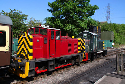 Ruston Hornsby 0-6-0DH No.429 in Bitton 26/05/12