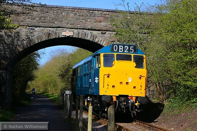 31101 runs round at Oldland Common  11/04/15