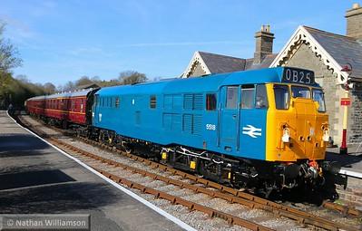 31105 departs Bitton on: 16:05 Oldland Common to Avon Riverside  11/04/15