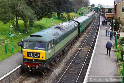 D1501 (47402) detaches in Ropley off the rear of the: 13:05 Alresford to Alton  26/04/13