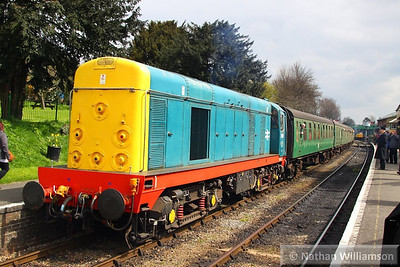 20087 uncouples from the rear of the train in Ropley  27/04/13