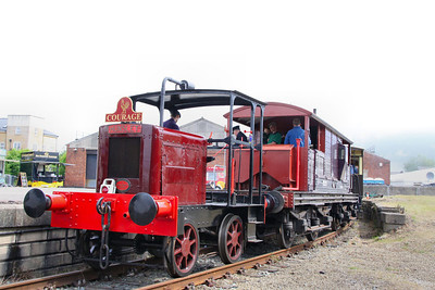 Hunslet shunter on demonstation rides in York Railfest  06/06/12
