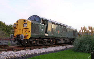 D6737 runs round its train in Totnes Littlehempston 05/11/11