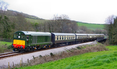 D8110 heads north through Nursery Pool working the: 12:59 Totnes Littlehempston to Buckfastleigh  08/04/12  Watch the video at: http://youtu.be/K0psfxJfsh4