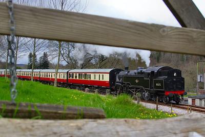 80072 heads south through Nursery Pool forming the: 14:50 Buckfastleigh to Totnes Littlehempston   08/04/12