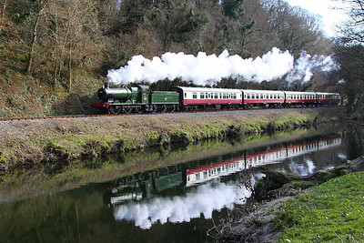 3205 follows the River Dart passing Dartington on the: 15:02 Totnes Littlehempston to Buckfastleigh 30/03/13  Watch the video at: http://youtu.be/zRcSGCoustg