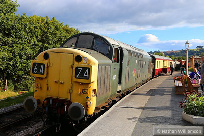 D6737 with the milk train await departure from Totnes to form the: 16:52 Totnes Littlehempston to Buckfastleigh  14/09/13