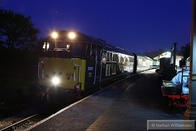 31601 stands in Totnes without any station lights on ready to work: 22:42 Totnes Littlehempston to Buckfastleigh  23/05/15