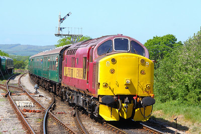 37503 arrives into Harmans Cross on the: 1H05 12:10 Norden to Harmans Cross 08/05/11