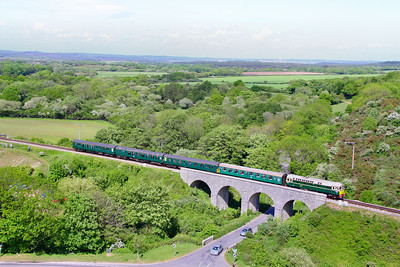 D6515 (33012) crosses Corfe Castle Viaduct on the: 1S15 14:30 Norden to Swanage 08/05/11