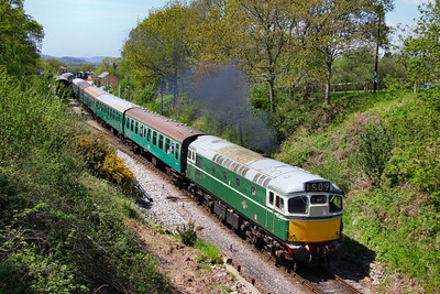 D5401 departs Harmans Cross on the: 2S11 13:00 Norden to Swanage  13/05/12  Watch the video at: http://youtu.be/TClgU8KN47E