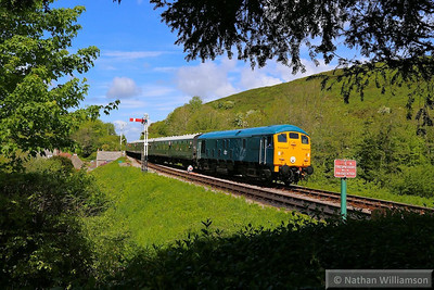 24081 arrives into Corfe Castle on the: 2S09 12:15 Norden to Swanage  11/05/14