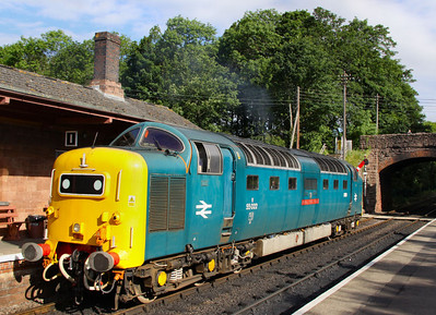 55022 runs round in Bishops Lydeard  17/06/12