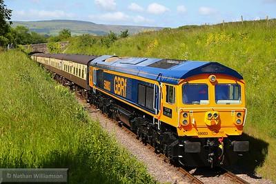 59003 arrives into Washford on: 09:50 Minehead to Bishops Lydeard  07/06/15