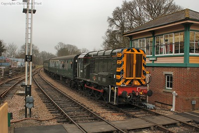D4106 chugs it's way into Kingscote having rescued the Peak and her train