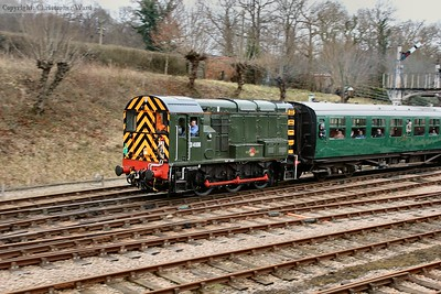 D4106 takes her train out of Horsted Keynes