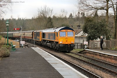 66770 arrives at Kingscote with an East Grinstead service