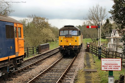 47739 slows for the Kingscote stop en route to East Grinstead